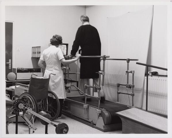 041829 - Elisabethziekenhuis. Gezondheidszorg. Ziekenhuizen. Revalidatie in het St. Elisabethziekenhuis.