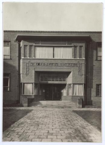 027120 - Voorheen Lange Schijfstraat, Hoofdingang St. Odulphus Lyceum