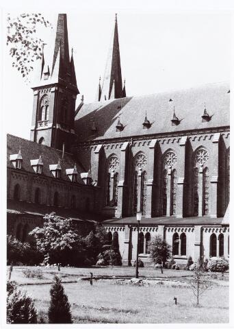 062194 - Kloosters. Abdij van Onze Lieve Vrouw van Koningshoeven aan de Eindhovenseweg 3 (vanaf de binnenplaats)