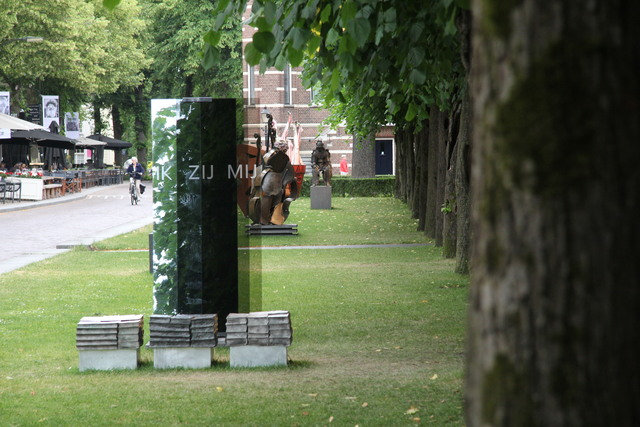 658116 - Kunst en cultuur. De eerste editie van Art in Oisterwijk in 2017. Tijdens deze tweejaarlijkse kunstmanifestatie zijn sculpturen te zien aan De Lind en in de naastgelegen galerieën.