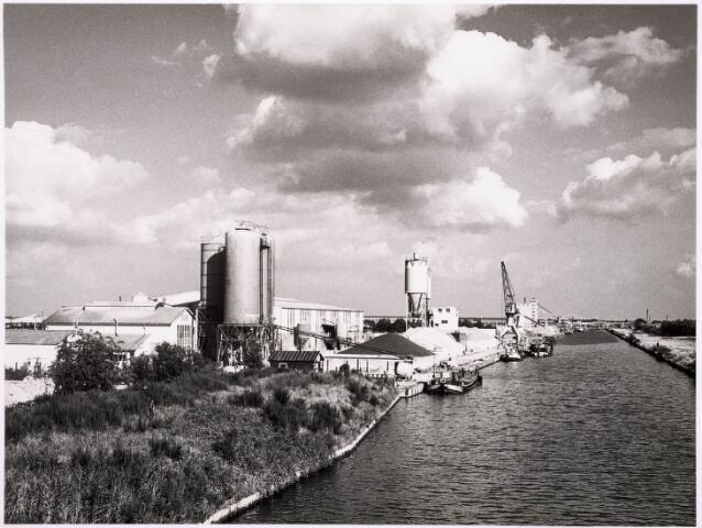 034689 - Loswal aan het Wilhelminakanaal bij industrieterrein Noord
