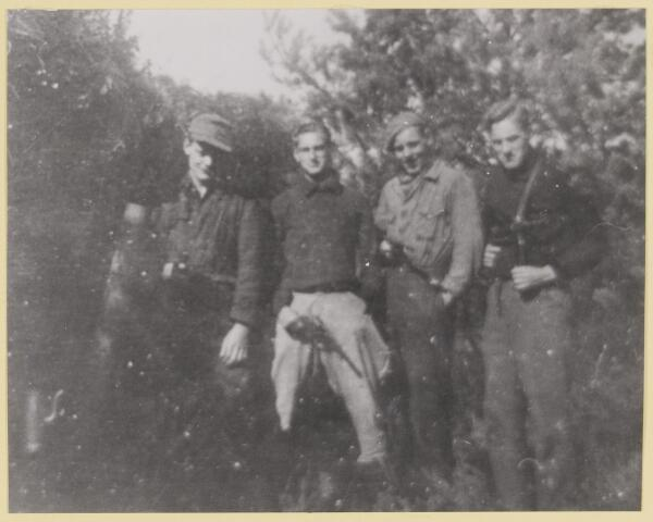 077449 - Tweede wereldoorlog 1940-1945 Verzetsgroep.