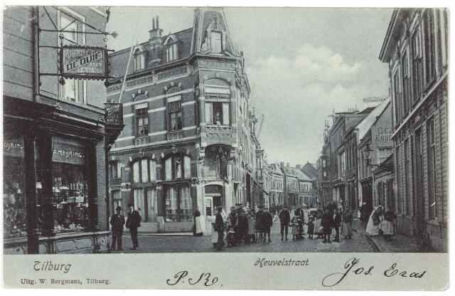 001113 - Heuvelstraat hoek Willem II-straat richting Heuvel.