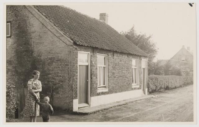 078656 - Arbeidershuisjes vermoedelijk behorend bij lederfabriek 'Hollandia ' te  Loon op Zand.