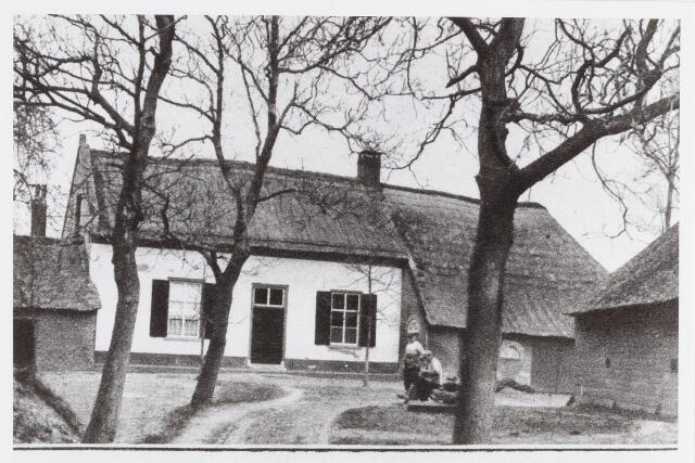 """056870 - Boerderij """"Het Heerengoed""""."""