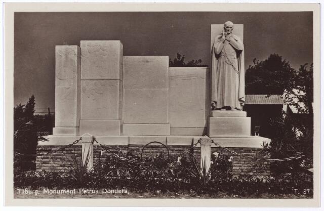 001924 - Monument op de geboortegrond van Peerke Donders aan de Pater Donderdstraat, onthuld op 10 september 1933.