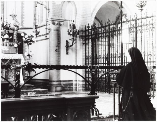 009338 - Kloosters. Zusters van Onze Lieve Vrouw van het Cenakel. De kapel in het Cenakel