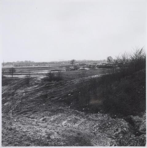 025769 - De Blaak in opbouw. Links de Leigraaf (met school) en rechts Swalm