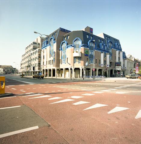 D-002190-1 - Heuvelpoort, ontworpen door architect Van Oers