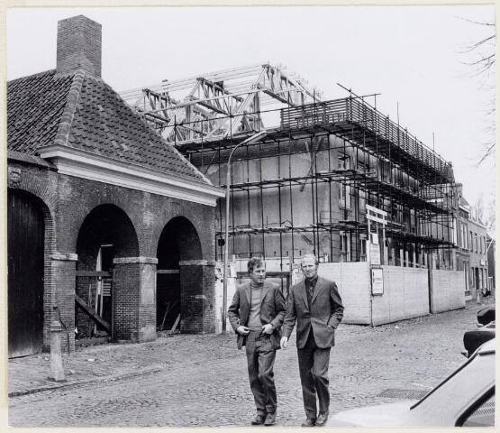 102073 - Restauratie van de panden aan de Heuvel 17 en 19, respectievelijk de voormalige politiekazerne en Ambachtsschool/HBS. Later in gebruik van de Stichting Kunstzinnigevorming.