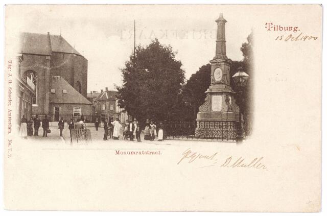 002481 - Markt met kerk van het Heike en rechts de gedenknaald voor koning Willem II.