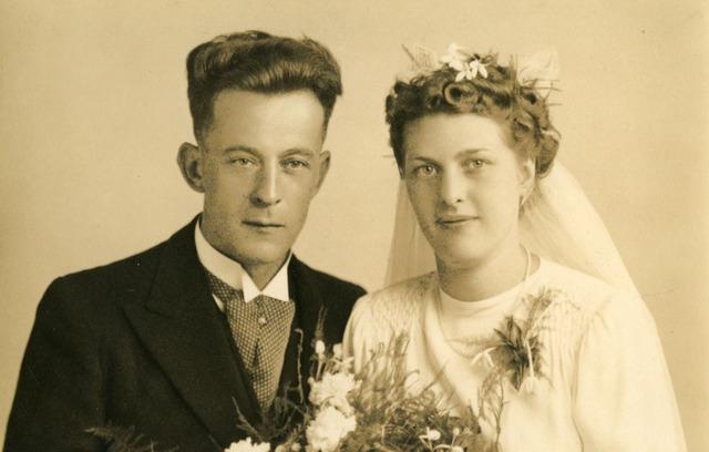 071723 - Johannes Baptist Cornelius Maria Deliën geboren te Tilburg op 8 april 1912, trouwde aldaar op 29 augustus 1944 met Antonia Johanna Graafmans, geboren te Tilburg op 14 september 1916.