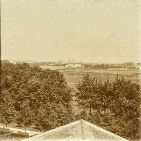 653562 - Uitzicht op Nijmegen vanaf Villa Geldersch Hof. (Origineel is een stereofoto.)