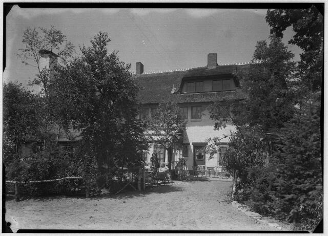 050873 - Hotel, café-restaurant Bosch en Duin te Udenhout.  Fam. Kruissen- Berendse.