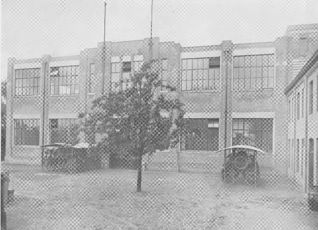 064373 - Leder- en schoendustrie. Voorgevel N.V. Stoomschoenfabriek J.A. Ligtenberg te Dongen.