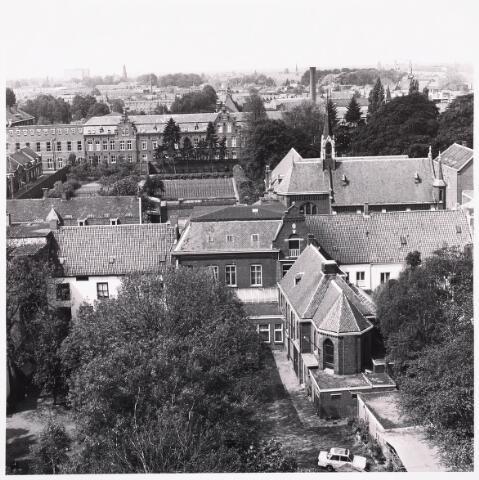 036464 - Panorama van Tilburg vanaf de flat aan het Koningsplein.