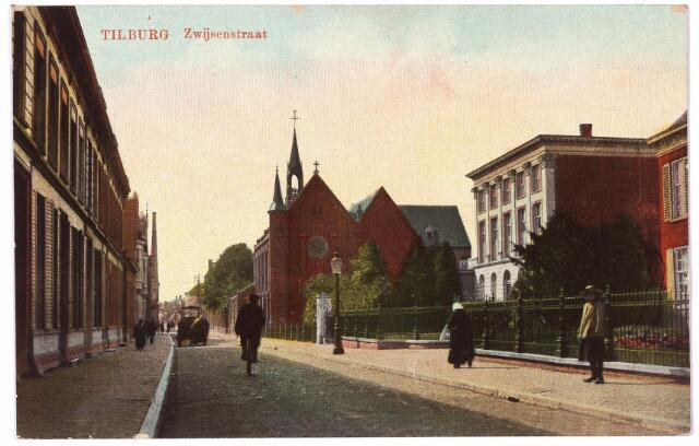 000039 - Bisschop Zwijsenstraat met rechts kapel en klooster van de zusters Visitatie.