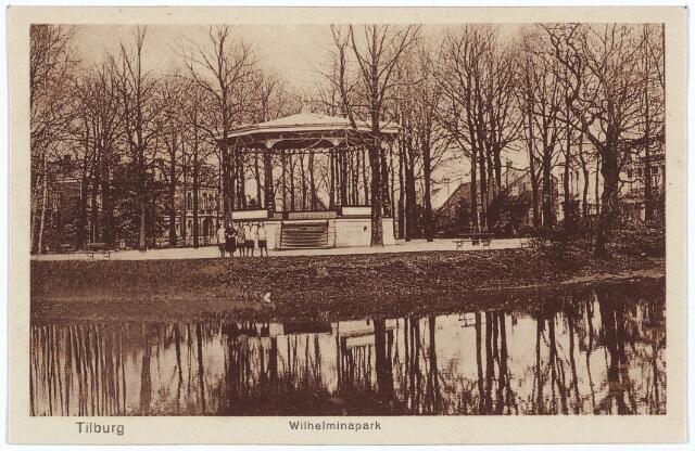 002890 - Wilhelminapark, vijver en muziekkiosk.