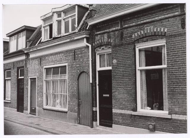 018180 - Panden Elzenstraat 38, 40 en 42 (van links naar rechts)