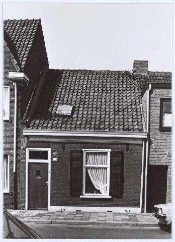 020583 - Pand Hasseltstraat 233 halverwege 1976