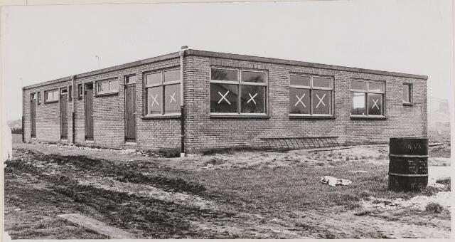 084950 - Clubgebouw S.V. Ulicoten in aanbouw