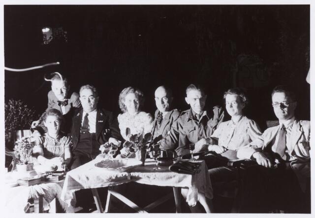 012846 - WO2 ; WOII ; Tweede Wereldoorlog. Inkwartiering. Ingekwartierde geallieerde militairen bij de familie Knook in de Jan van Beverwijckstraat