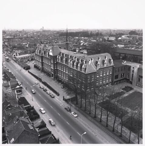 036731 - Panorama van Tilburg vanaf de watertoren (op de voorgrond het missiehuis van de paters van het H.Hart)