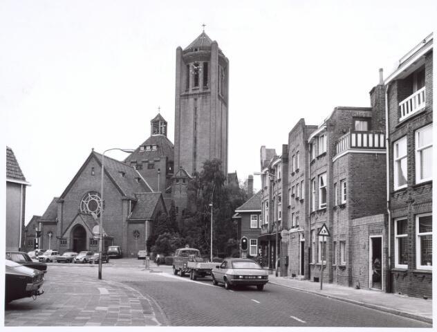 016624 - Kerk Onze Lieve Vrouw van Goede Raad, behorende tot de parochie Broekhoven I, bezien vanuit de Voltstraat