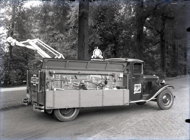 654844 - Servicewagen (Buick) van firma de Groot.