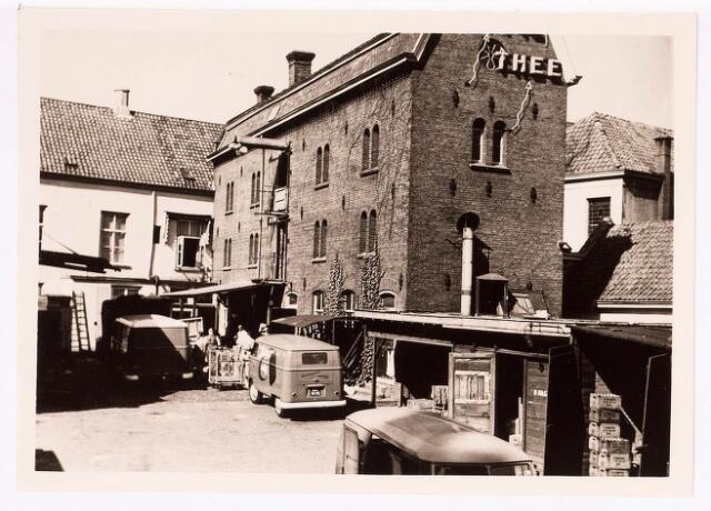 036204 - Stadhuisplein.  Achterzijde kruidenier Emile de Bruyn v.h. Monumentstraat 12.