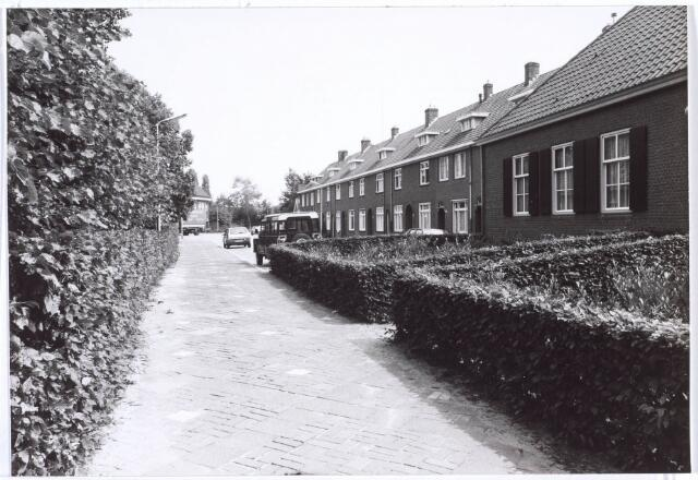 020189 - Hasseltplein halverwege 1986