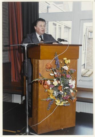 91160 - Made en Drimmelen. Opening van de Stuifhoekschool. Toespraak van A.J. Hermes, staatssecretaris van Onderwijs en Wetenschappen.