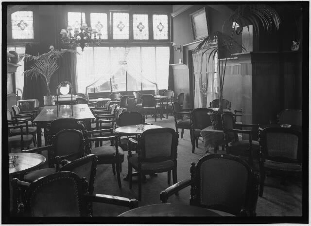 050983 - Interieur hotel Victoria aan de Spoorlaan nr. 112.