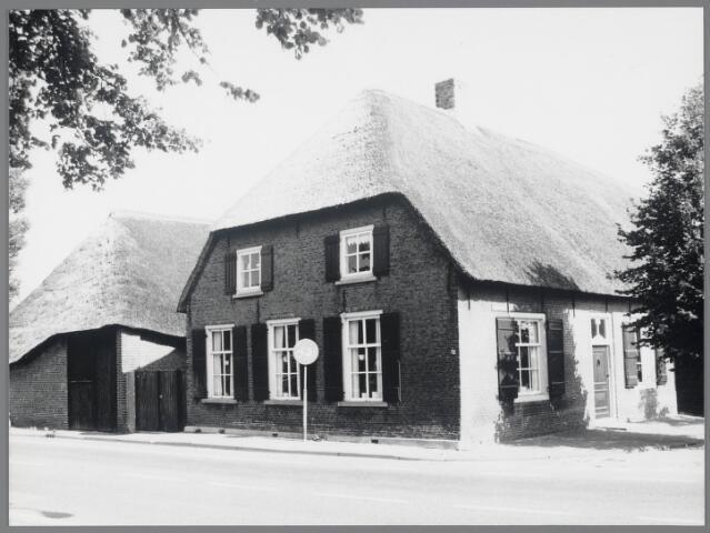 88714 - Hoofdstraat 161, Terheijden. Rijksmonument. Voormalige langgevelboerderij uit de 17e eeuw.