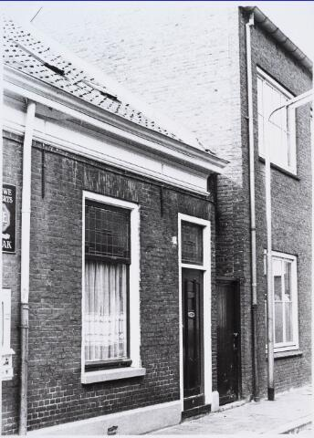 028266 - Voorgevel van pand aan de Paterstraat 9