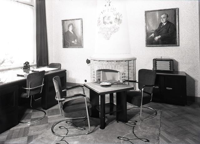 653859 - Bedrijven. Showroom van Van Blerk stalen meubelen.