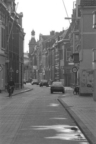 TLB023002604_001 - View gezien vanuit de Tuinstraat richting de 5sprong (Nieuwlandstraat, Korte Schijfstraat, Noordstraat, Sationstraat, Tuinstraat) te Tilburg