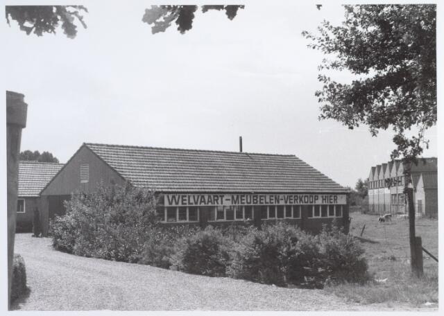 014603 - Achterzijde van het pand Berglandweg 2. Rechts, met de sheddaken, de Tilburgse Wolwasserij