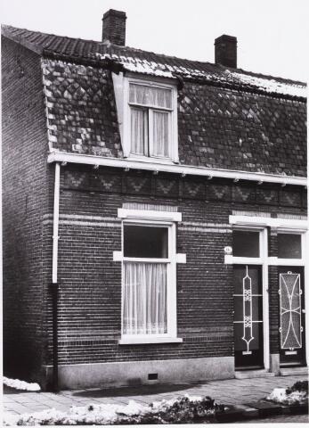 034398 - Het pand Lijnsheike 118; thans heet dit deel van de straat Von Weberstraat. De meeste huizen aan het Lijnsheike zijn inmiddels gesloopt.