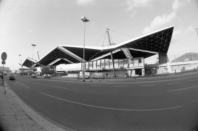 D-00668 - Station Tilburg centraal