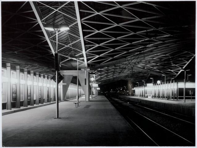 032037 - Spoorwegen: Station aan de Spoorlaan
