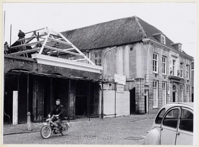 102072 - Restauratie van de panden aan de Heuvel 17 en 19, respectievelijk de voormalige politiekazerne en Ambachtsschool/HBS. Thans in gebruik van de stichting Kunstzinnigevorming.