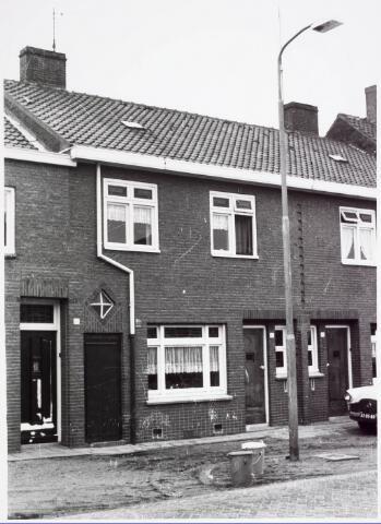 034062 - Voorgevel van het pand Jac. van Vollenhovenstraat 47