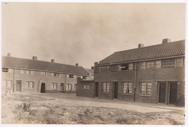 034663 - Rechts op de foto de Wichmanstraat. Op de achtergrond de Hoeksestraat, thans Pastoor Smitsstraat