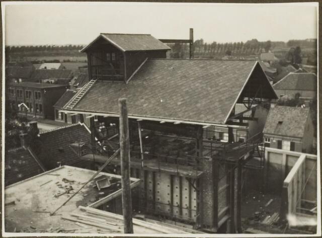 104617 - Energievoorziening. Nieuwbouw Gasfabriek Oosterhout. Het gereed zijnde ovenblok.