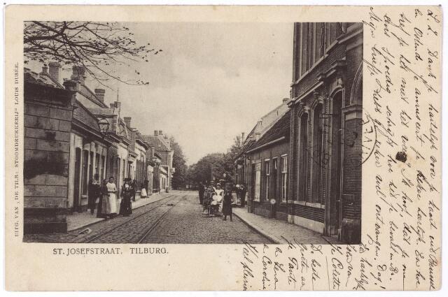 001369 - St. Josephstraat in oostelijke richting.  Links nog een stukje van café Bellevue op de splitsing St. Josephstraat/Tivolistraat.