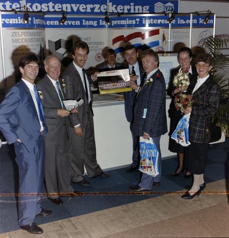 1237_012_893_004 - V.Z.S. beurs te Eindhoven. V.Z.S trotse shirt sponsor van voetbalclub Willem II.