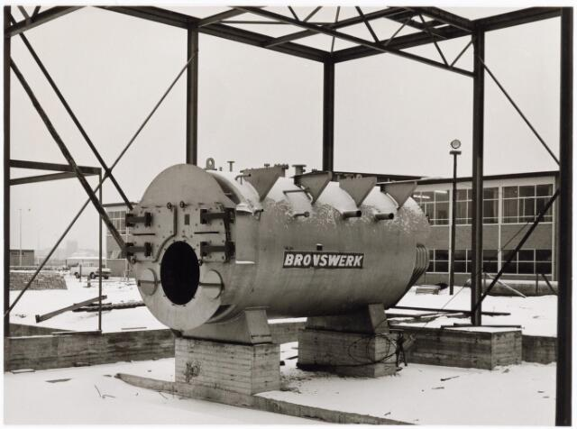 039205 - Volt. Noord. Algemeen, Gebouwen, Nieuwbouw. Het in aanbouw zijnde ketelhuis en machinekamer NE op complex Noord dat in 1964 gereed was.