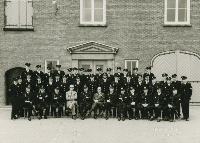 066170 - De vrijwillige brandweer van Kaatsheuvel (gem. Loon op Zand) bij het 75-jarig bestaan.