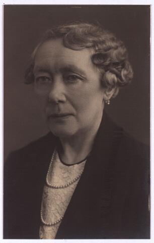 003509 - Antonetta Maria de Beer (1866-1949), dochter van Norbertus de Beer (1831-1915) en Johanna Maria Huberta de Beer-Donders (1840-1909)